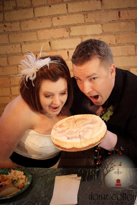 bridal couple cheesecake