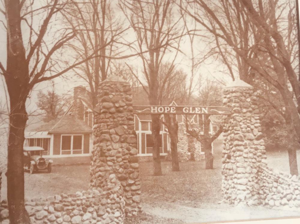 Historic Hope glen Farm & Vineyard in Cottage Grove